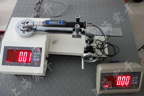 扭力矩扳手測試儀圖片